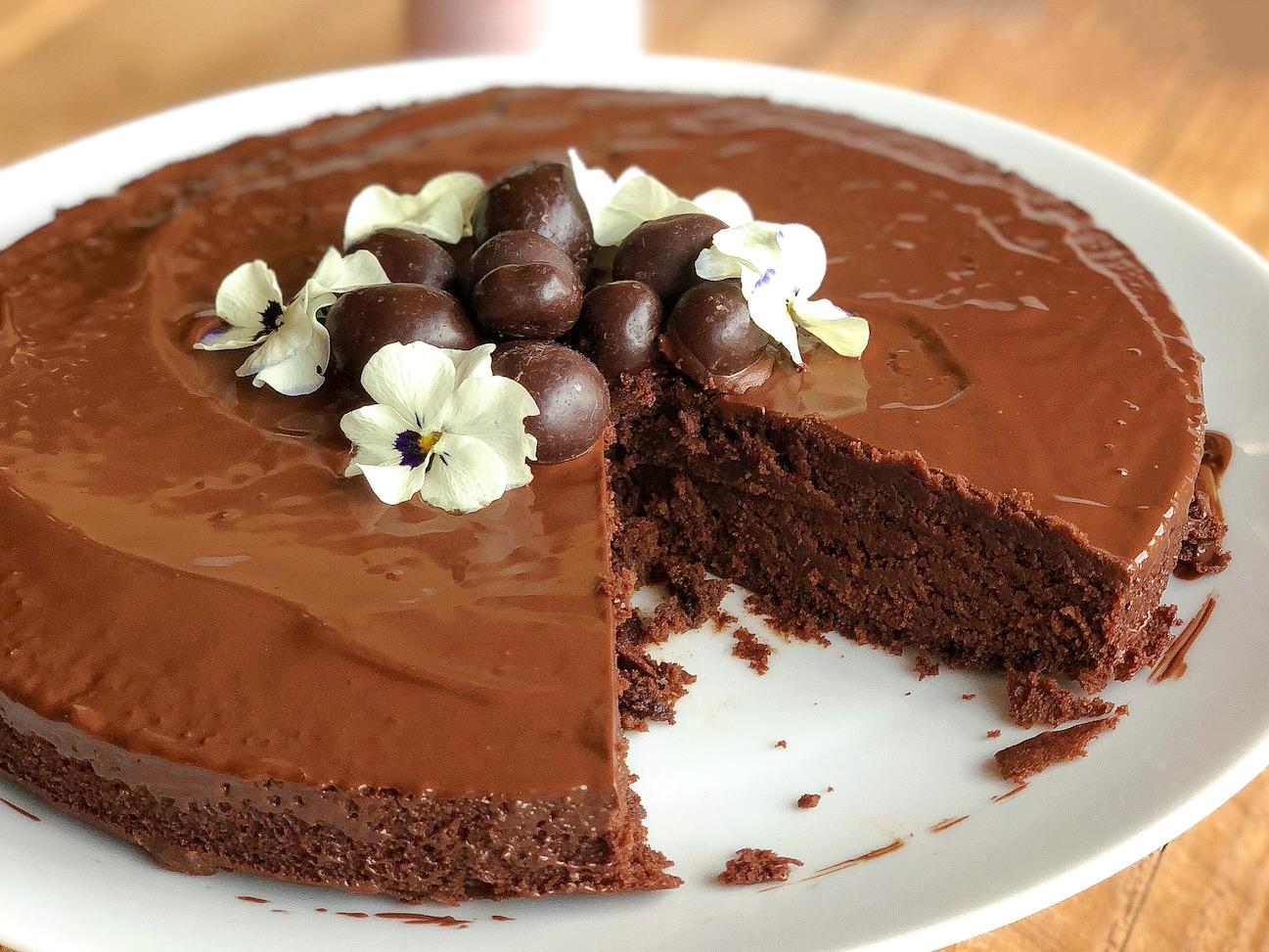 gateau-au-chocolat-sans-gluten-sans-lait-sans-oeuf-dame.bio